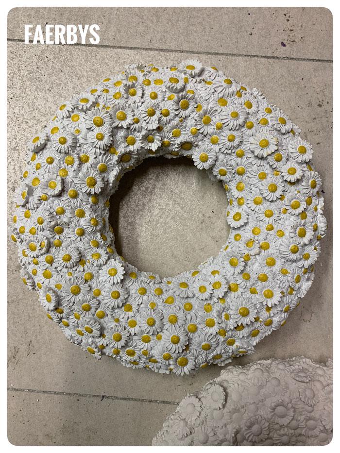 #Gussform beton #kranz gießform #concrete mold #gänseblümchen kranz #gießform kranz #gänseblümchen #latexform #faerbys #gießformen #gußformen #beton guss #silikonform #silikonformen