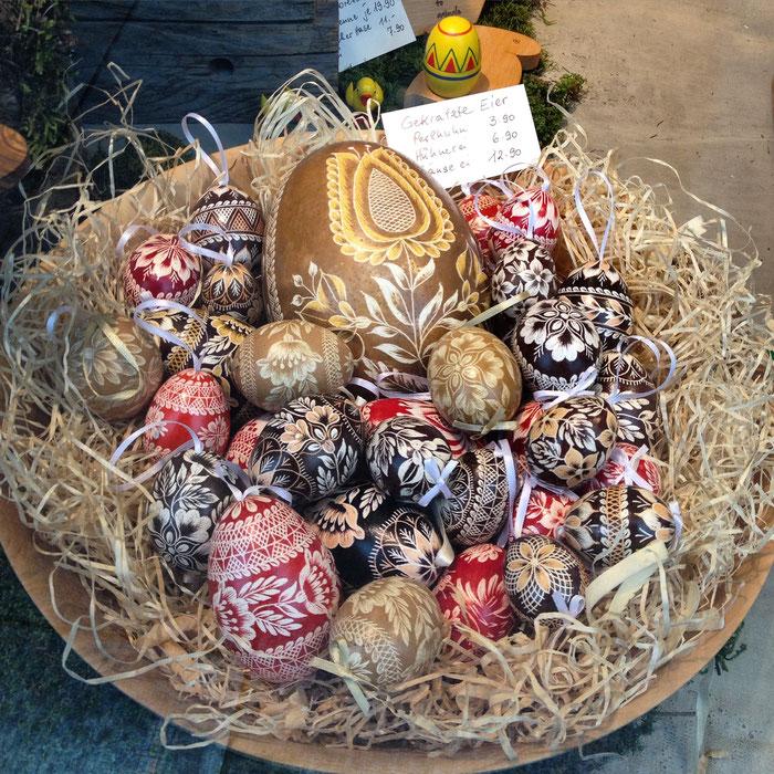 Resultado de imagem para A ORIGEM DO ovos chocolate