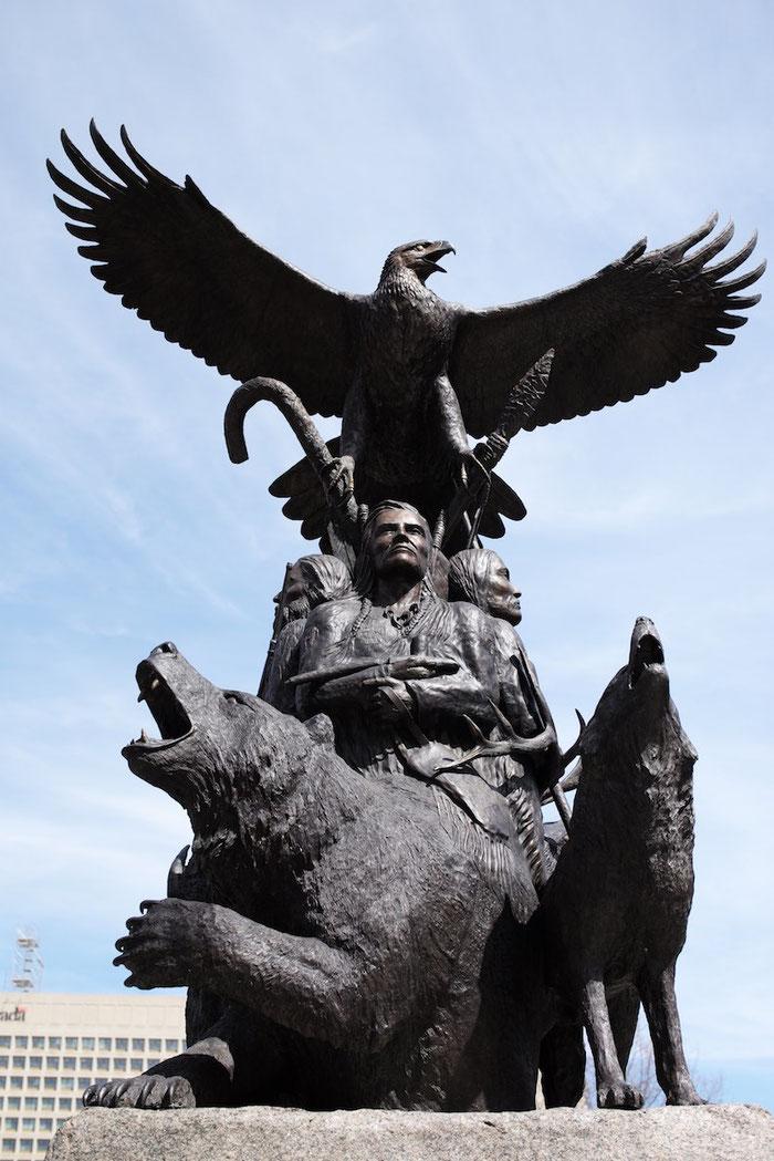 Denkmal für die Indianer, die als Angehörige der kanadischen Armee gefallen sind.