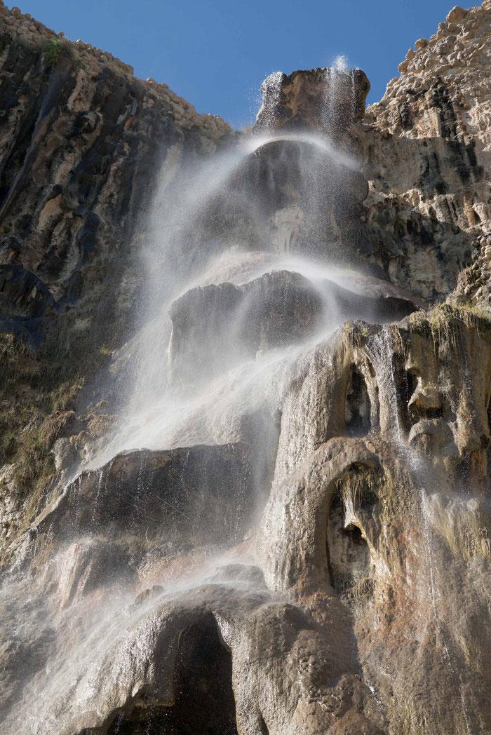 .... und so sieht der Wasserfall aus, wenn er vom Greyhound mit einer Kamera aus Wetzlar aufgenommen wird.