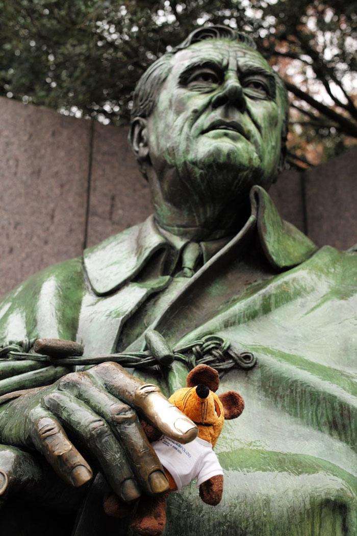 Maus in der Hand von Franklin D. Roosevelt