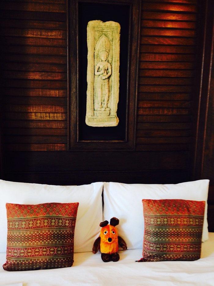 Kaum im Hotel angekommen, belegt unsere müde Maus das Bett