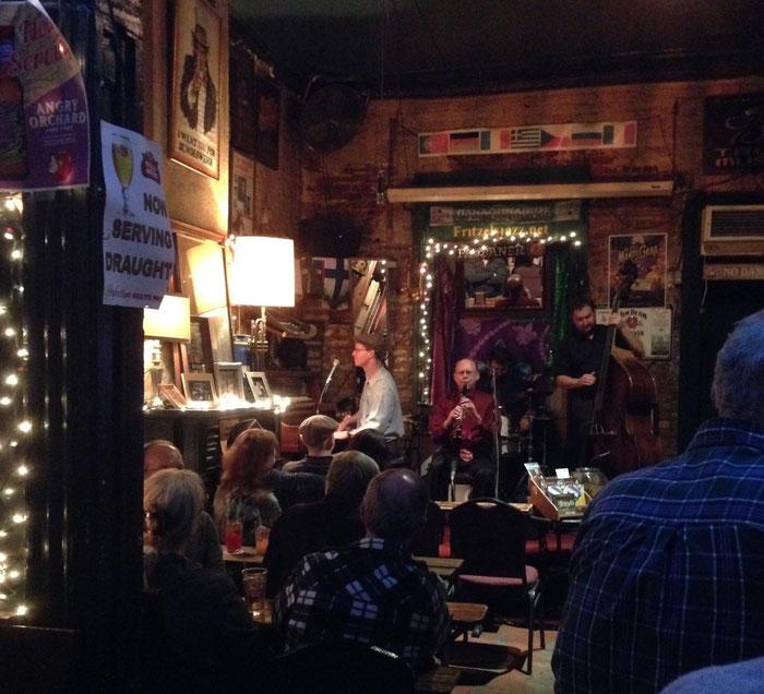 """In """"Fritzel's"""" European Jazz Pub"""" auf der Bourbon-Street"""