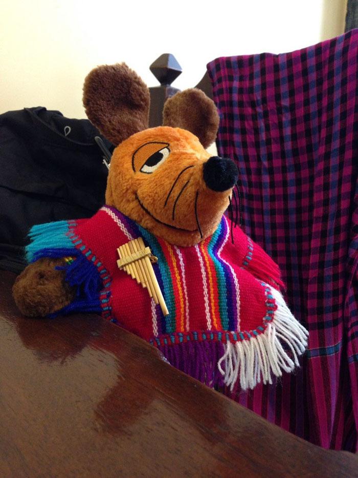 Inka Maus mit ihrem neuen Kleidungsstück
