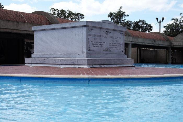 Das Grabmal von Dr. Martin Luther King, jr. und seiner Frau