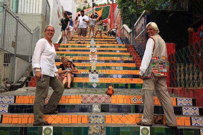 Nochmals die Treppe, aber diesmal in den brasilianischen Farben