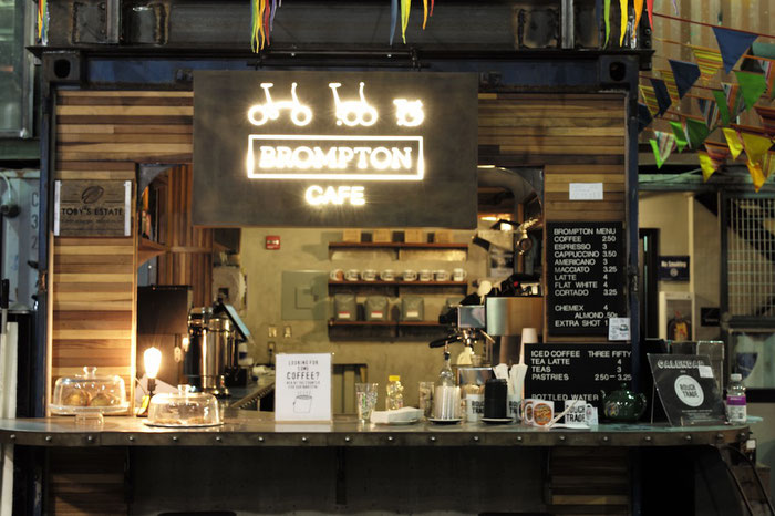 Im BROMPTON-Café in Brooklyn