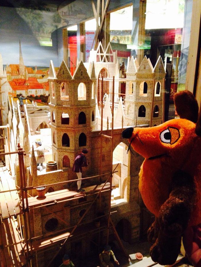 Die Maus erklärt uns den Bau des Stephansdomes