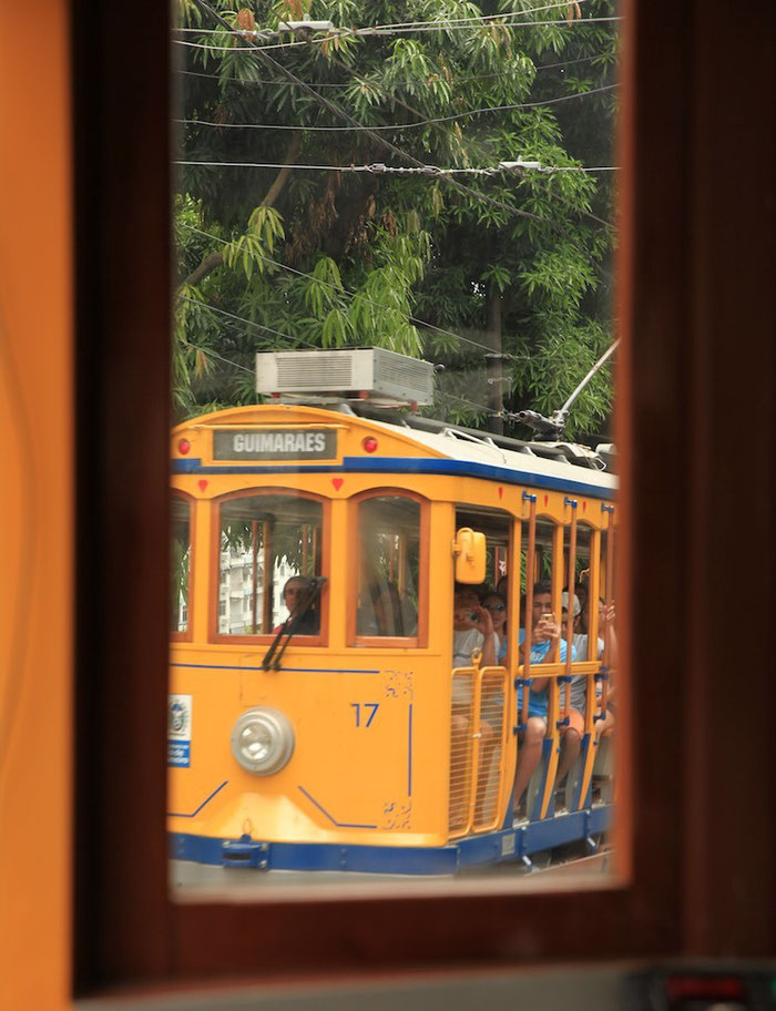 Unterwegs in der Straßenbahn Bonde