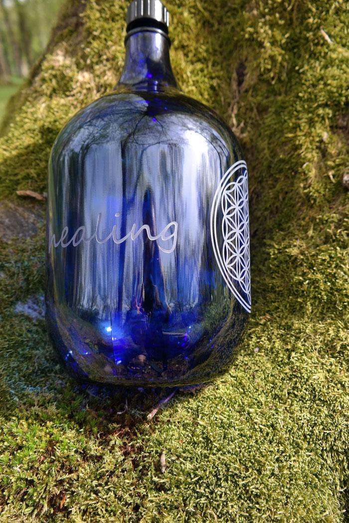 healing water , heilendes Wasser , heilwasser , quellwasser , quelle , freiglas 5l, nachhaltig blume des lebens , flasche blau