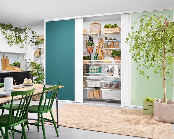 Elfa Regalsystem für Küche hinter Schiebetüren