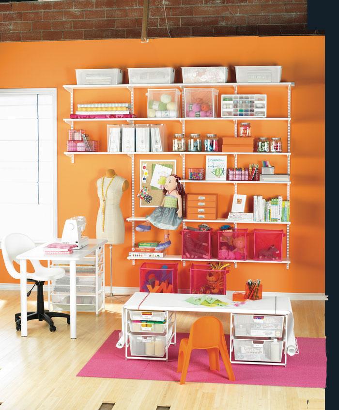 Elfa Regalsystem für Kinderzimmer kombiniert mit Korbsystem