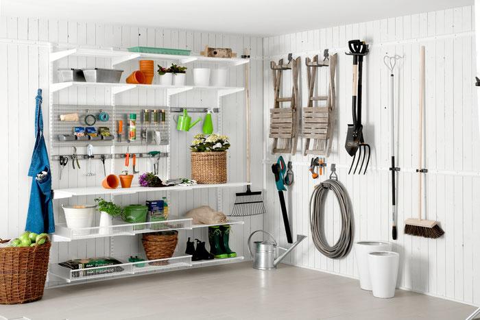 Das Elfa Regalsystem eignet sich ausgezeichnet für die optimale Einrichtung Ihres Gartenhauses.