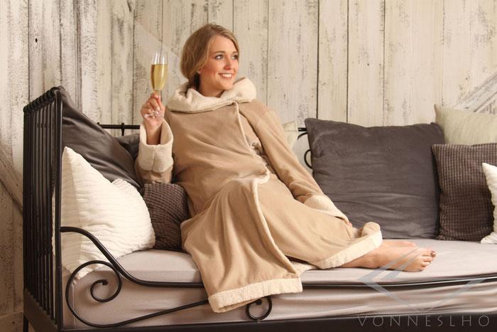 langer Bademantel mit Kapuze Damen Herren, Frottee, schöner Bademantel Luxus Saunamantel Wellnesmantel Morgenmantel