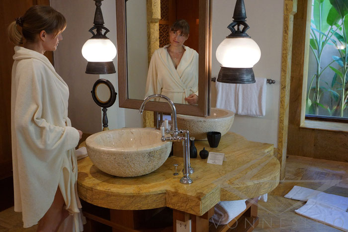 langer Bademantel mit Kapuze Damen , Frottee, schöner Bademantel Luxus Saunamantel Sauna Poncho kurze Bademantel Wellnesmantel Morgenmantel