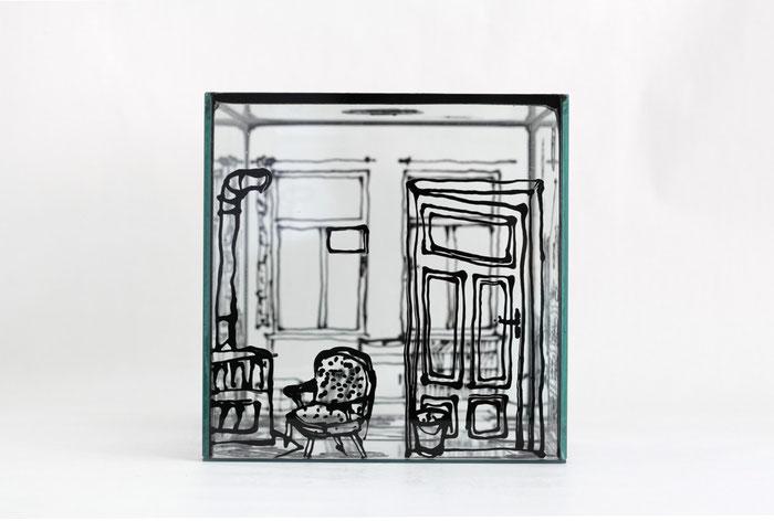 1. OG links Zimmer hinten rechts . 2011 . Windowcolor auf Glas . 20 x 20 x 30 cm . Detail