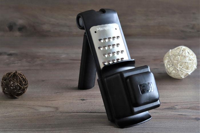 Microplane grobe Reibe mit Restehalter aus dem Pampered Chef Onlineshop kaufen