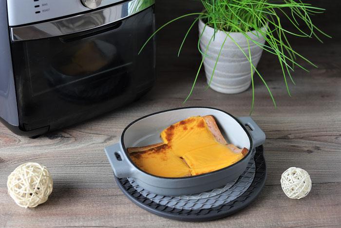 Pampered Chef Air Fryer im Onlineshop kaufen - Leberkäse überbacken
