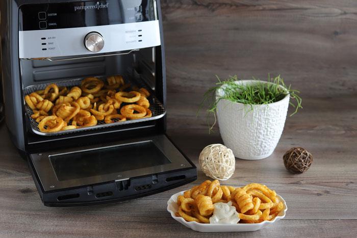 Curly Fries im Deluxe Airfryer von Pampered Chef aus dem Pampered Chef Onlineshop