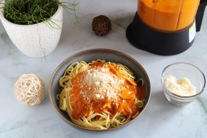 Spaghetti Soße aus Tomaten und Mozzarella im Deluxe Blender aus dem Pampered Chef Onlineshop