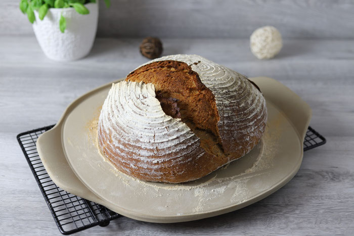 Vorgeheizter Stein für Brot aus dem Backofen von Pampered Chef