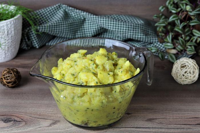 Kartoffelsalat fränkischer Art mit Essig und Öl