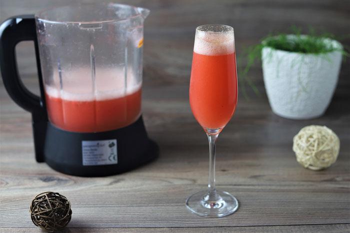Erdbeer Sekt aus dem Deluxe Blender von Pampered Chef im Onlineshop bestellen