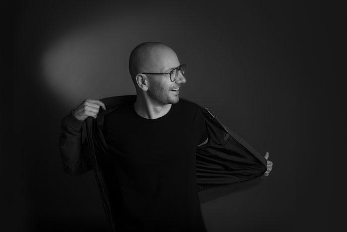Marek Hemmann, Paracou Booking