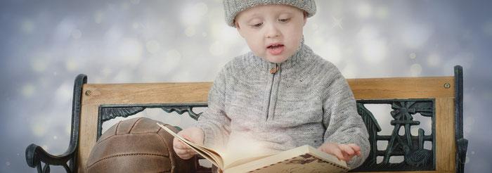 Kind liest Buch: Gschichte-Zyt mit Sonja Velati-Küpfer