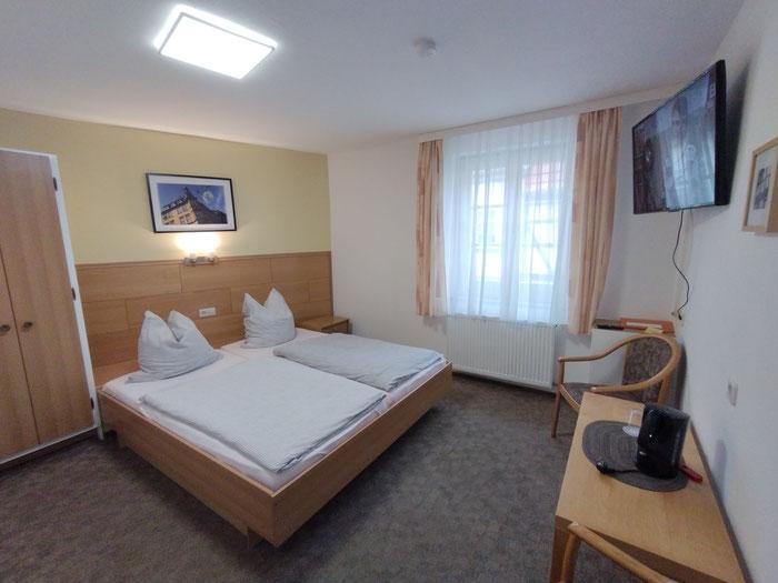 """Doppelzimmer mit 43"""" TV im 1. Obergeschoss"""