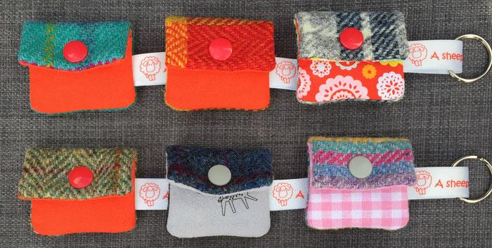 Schlüsselanhänger aus buntem Harris Tweed in vielen Farben erhältlich bei A Sheep Called Harris im Online-Shop