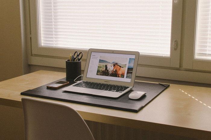 ブログでホームページを作るメリットは?おすすめサービスも紹介