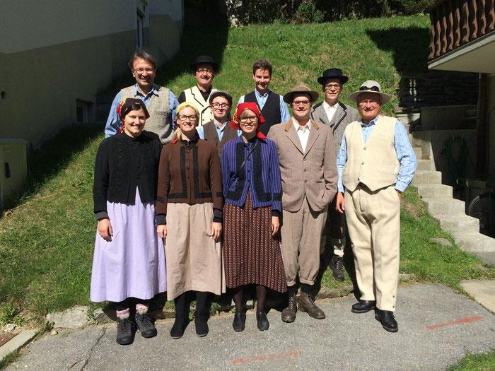 Wir sind die Ländlerkapelle Mischabel aus dem Gletscherdorf Saas-Fee. Seit dem Jahre 2011 treffen wir uns gelegentlich für unser gemeinsames Hobby Ländlermusik. Wir spielen von traditioneller Volksmusik über Schlager bis hin zu Popnummern.