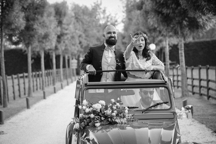 Heiraten im 2CV; Hochzeit im coolen Brautauto; Heiraten macht Spaß; Hochzeit in Italien; Hochzeitsplaner Italien;