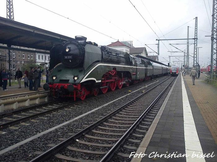 18 201 im Bahnhof Nordhausen