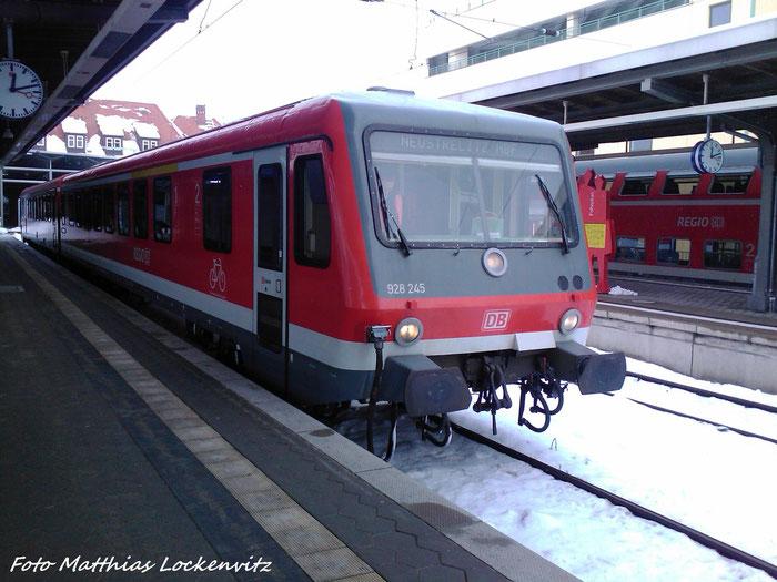 628 245 / 928 245 Im Bahnhof Stralsund Hbf Als RE5 mit Ziel Neustrelitz Hbf Bereitgestellt