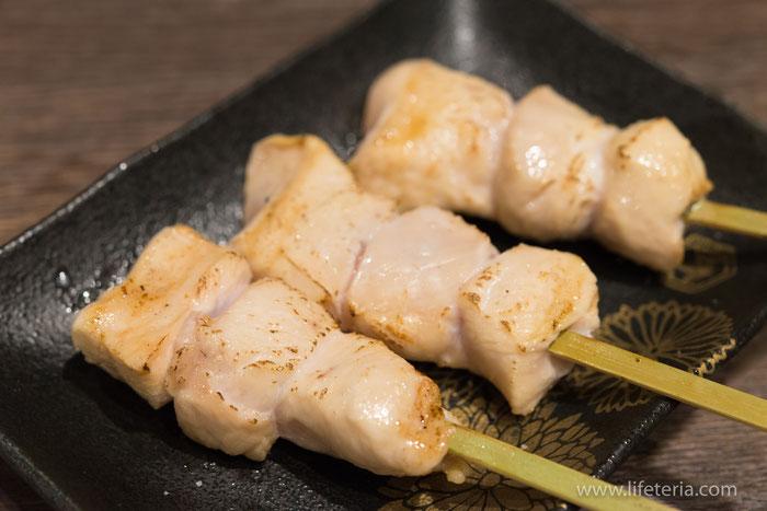 LifeTeria ブログ 朝挽き鶏 炭火串焼き 牡丹