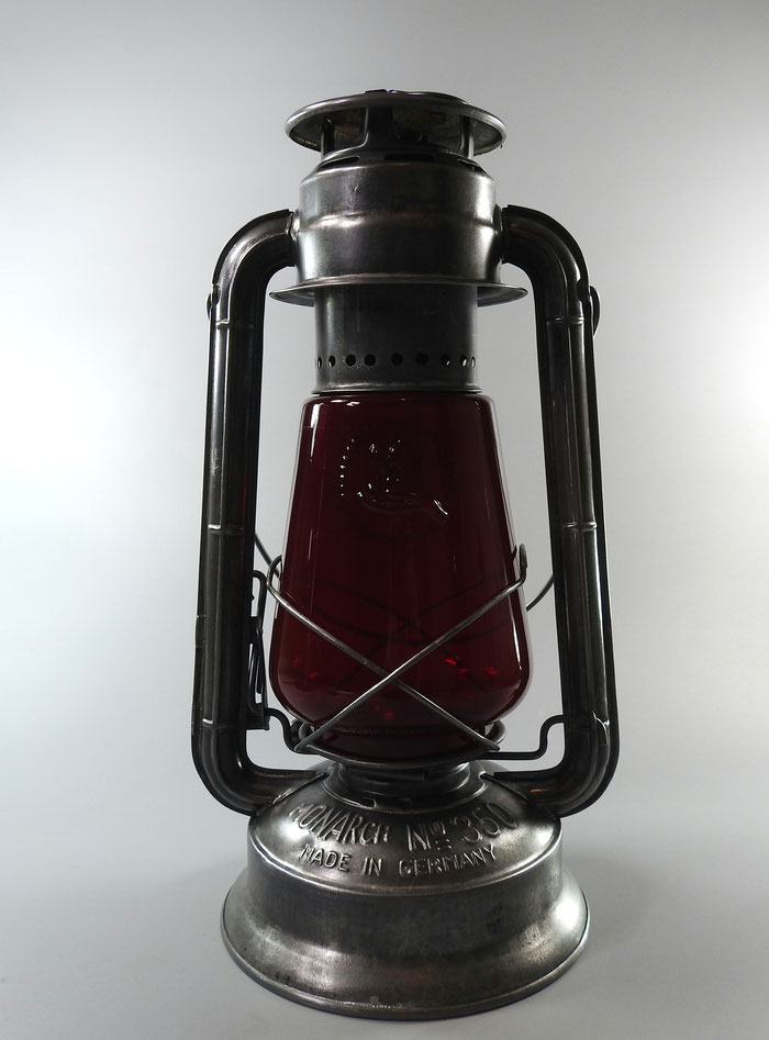 FROWO KEROSENE LANTERN -EXPORT TO CANADA - 'MONARCH 350'