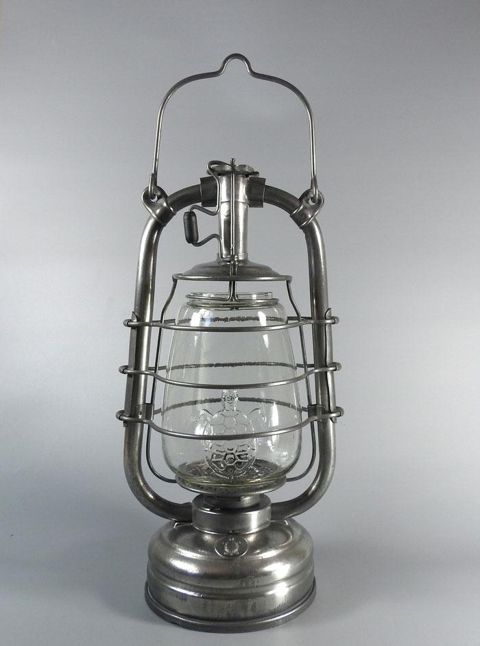 Feuerhand 'Schildrkröte' - Turtle Emblem Kerosene lantern