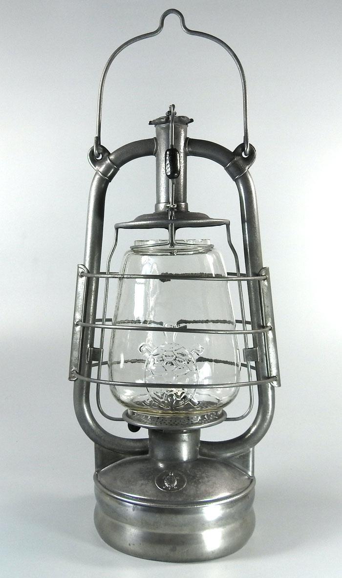 Nier Schildkröte - Turtle D.R. Patent with Air Holes/Air pipe. Fr. Weber Patent