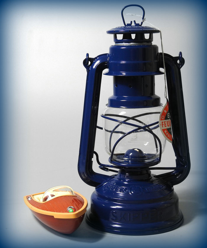 Feuerhand Nr. 276 Eternity 'SKIPPER' kerosene lantern Limited Edition for a Segelboot company .
