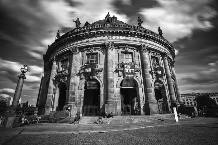 Berlin Bode-Museum Langzeitbelichtung
