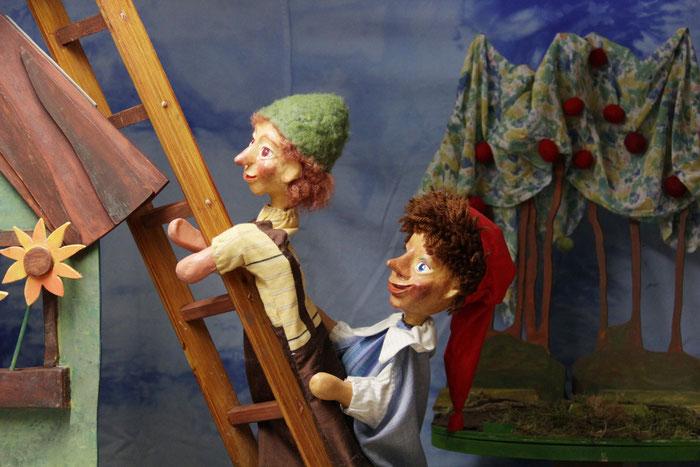"""Kasper und Seppel in """"Kasper im verhexten Garten"""" - Stück 2017/18"""