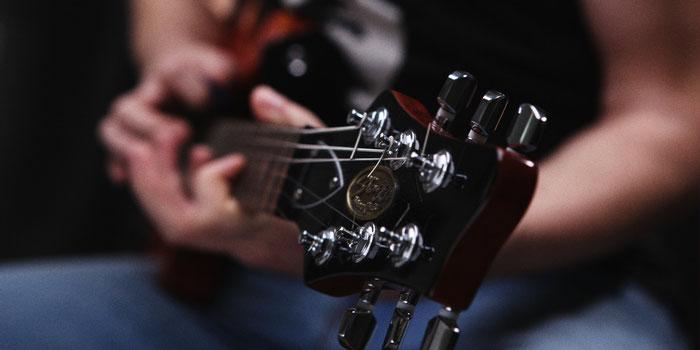 Baue und gestalte Deine eigene Bass-Gitarre/How to build ...