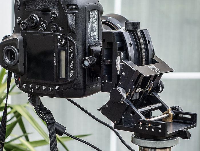 Aufwendige Mechanik ermöglicht beim C1 Cube GETRIEBENEIGER von ARCA-SWISS das Kippen der Kamera. Foto: Klaus Schoerner
