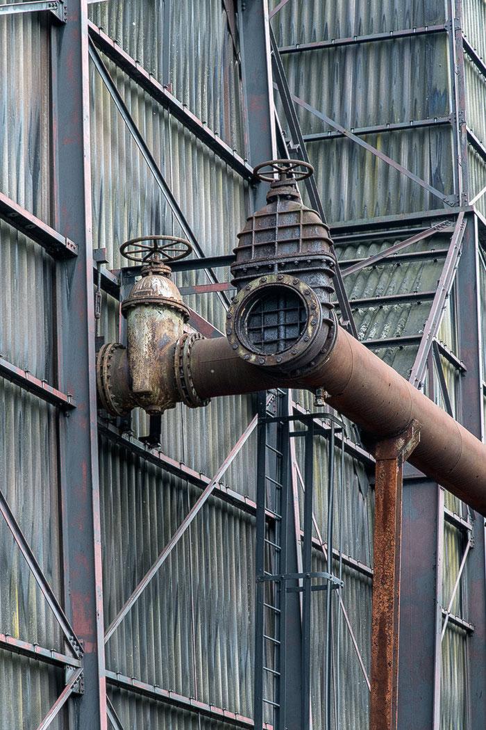 Praxistest NIKON D850, AF-S 24-120 mm 1: 4, Wellblechwand, Landschaftspark Duisburg. Foto: bonnescape
