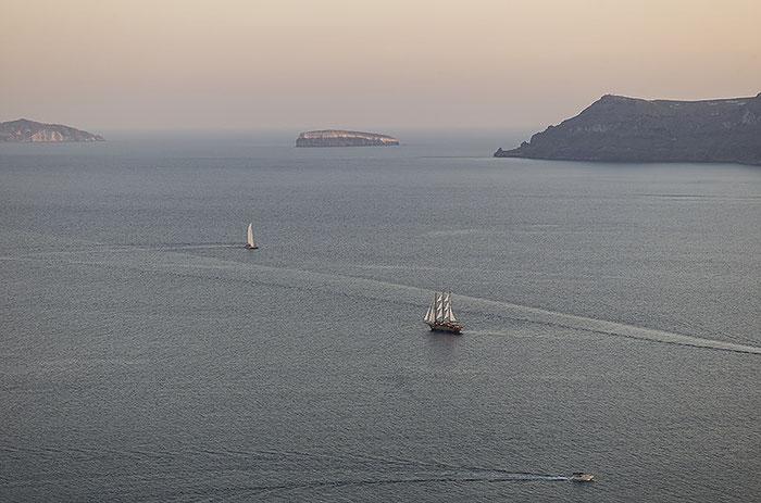 Santorini, abendlicher Blick auf die Caldera, Foto: Klaus Schoerner