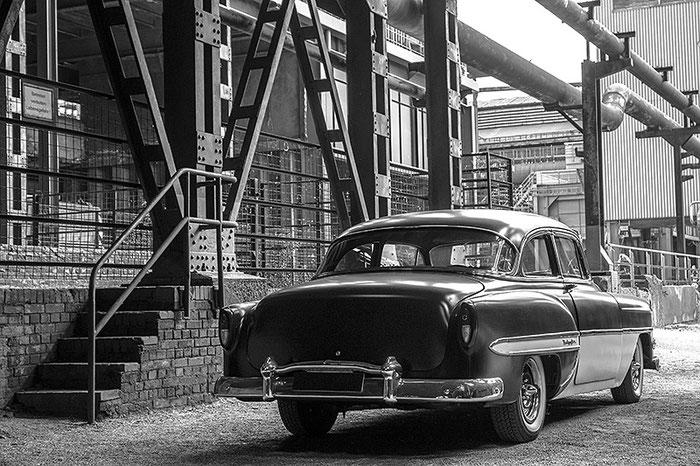 Test-Entwicklung in Schwarzweiss. 1953er Chevrolet Bel Air, Foto: Klaus Schoerner