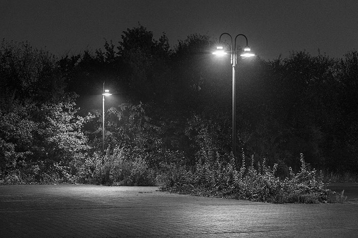Test: Nachtaufnahme extrem mit Nikon D4 in Schwarz/Weiß. Copyright 2016 by Dr. Klaus Schoerner