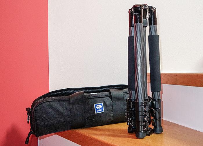 Erfahrungen: Kompaktes Packmass beim SIRUI ET-2204 / KTV224. Foto: Klaus Schörner